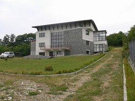 Casa de vânzare 13 camere, în Valenii de Munte, zona Central