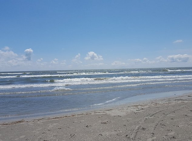 Teren sulina  300 m de mare si plaja - imaginea 1