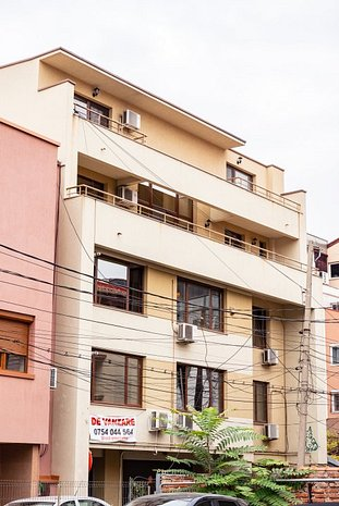 Bloc 4 etaje cu 3 apartamente Dorobanti, birouri D+P+4 Clinica - imaginea 1