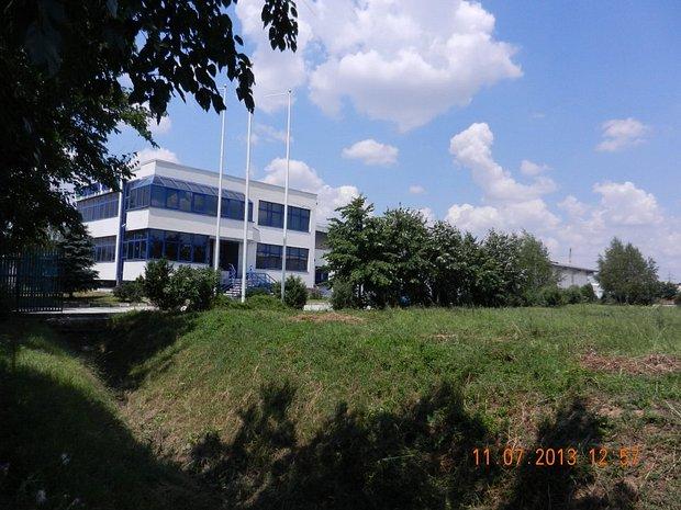 Spatiu industrial cu 7541 mp teren