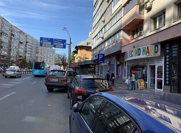Spatiu Comercial Bulevard Mihai Bravu -Dimitrov, Statie autobuz. - imaginea 1