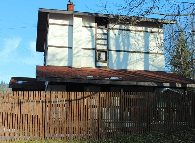 VAND imobil situat in Oras Predeal str Valea Rasnoavei Km 07 drumul spre Rasnov - imaginea 1