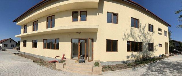 Pensiune + Duplex + Casa pe malul Lacului Snagov - imaginea 1
