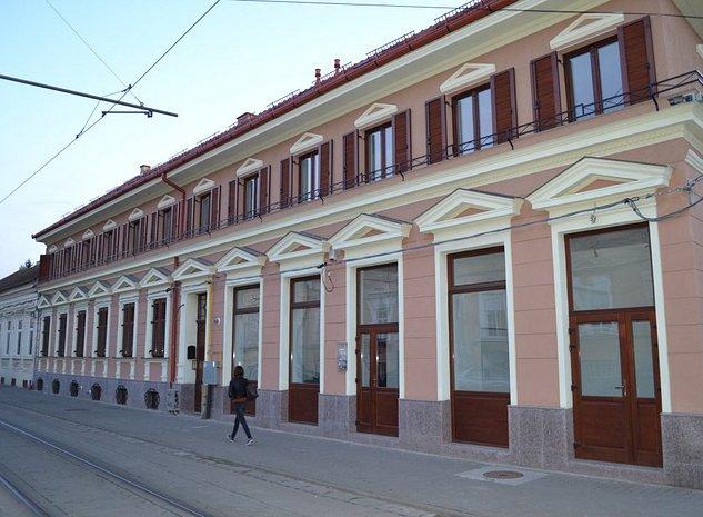 Proprietar inch birouri in zona centrala disponibile 3 birouri supr. 45;66;75mp - imaginea 1