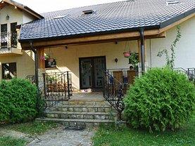 Casa de vânzare 10 camere, în Buhusi, zona Central