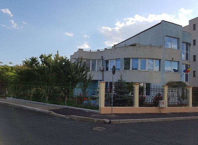 Vila P+2 cu terasa si gradina amenajata - imaginea 1