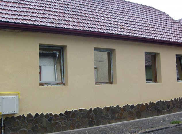Casa deosebita, 4 camere - zona buna Mihai Viteazu (str. Spartacus) - imaginea 1