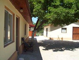 Casa de vânzare 3 camere, în Dorobantu