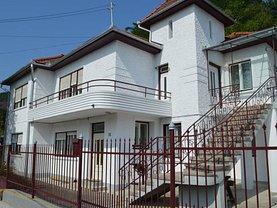 Casa de vânzare 6 camere, în Medias, zona Central