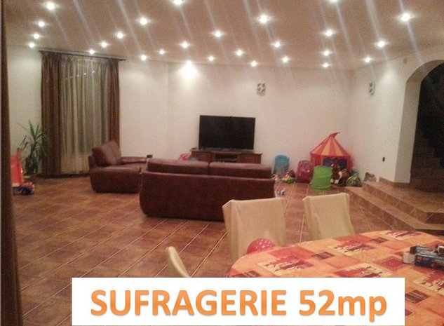 sufragerie spatioasa 52 mp: 4 moduri de iluminare dupa necesitati.