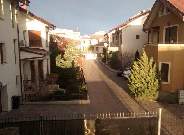 Vila noua la rosu cu plata IN TRANSE, teren, LUX - imaginea 1
