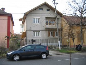 Casa de vânzare 12 camere, în Timişoara, zona Simion Bărnuţiu