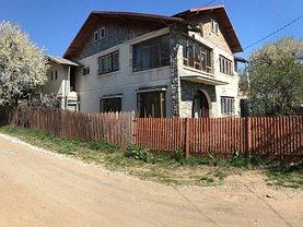 Casa de vânzare 9 camere, în Baicoi, zona Central