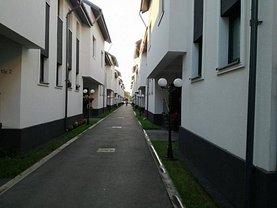 Casa de vânzare 4 camere, în Rosu