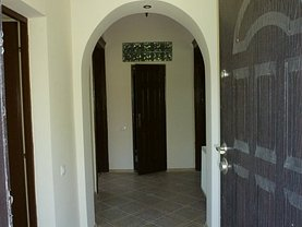 Casa de închiriat 3 camere, în Constanta, zona Tomis Mall
