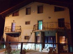 Casa de vânzare 8 camere, în Bradu