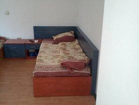 Casa de închiriat 12 camere, în Craiova, zona 1 Mai