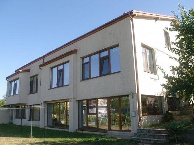 Casa ultramoderna spatioasa si calda casa vila cu 7 - Casa ultramoderna ...