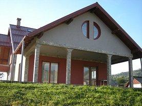 Casa de vânzare 9 camere, în Borsa, zona Central
