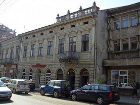 Casa de vânzare 21 camere, în Campulung Moldovenesc, zona Central