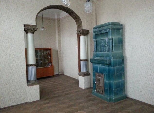 Vânzare casă stil şi arhitectură deosebită Ploieşti - imaginea 1