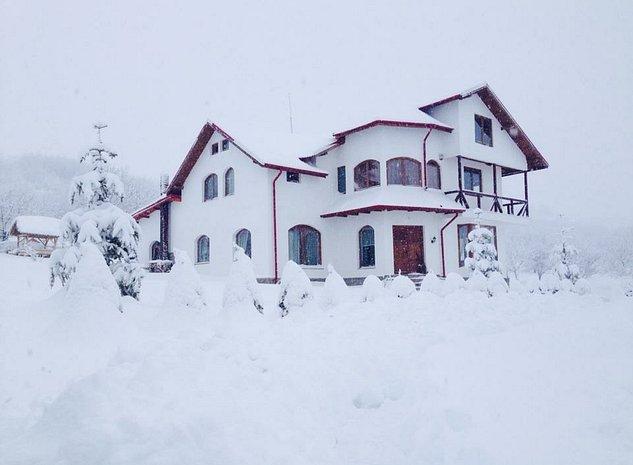 Casa ca in basme - imaginea 1