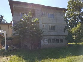 Casa de vânzare 8 camere, în Suceava, zona Central
