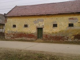 Casa o cameră în Sanpetru German