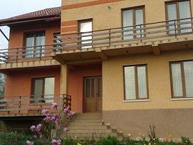 Casa de vânzare 9 camere, în Bârnova