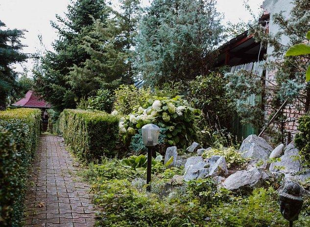 Casă cu grădină zona Platoul Corneşti - imaginea 1