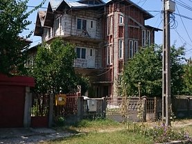 Casa de vânzare 12 camere, în Rosiori de Vede, zona Central