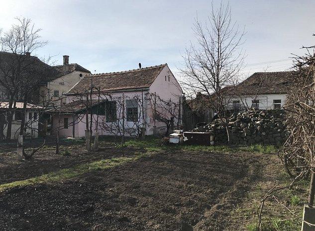 Casa de vanzare zona Lupeni foarte aproape de centru - imaginea 1
