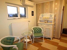 Casa de vânzare 9 camere, în Pitesti, zona Exercitiu