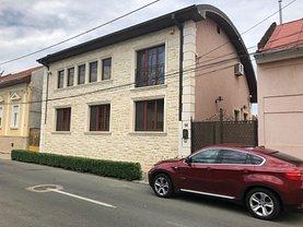 Casa de vânzare 6 camere, în Satu Mare, zona Central