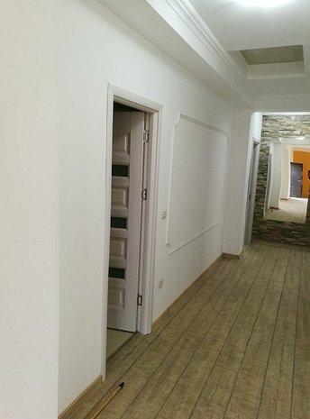 Casa de vânzare în ansamblu rezidential - imaginea 2