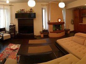 Casa de vânzare 7 camere, în Sinaia, zona Cumpatu
