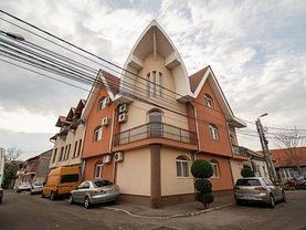 Casa de vânzare 13 camere, în Oradea, zona Rogerius