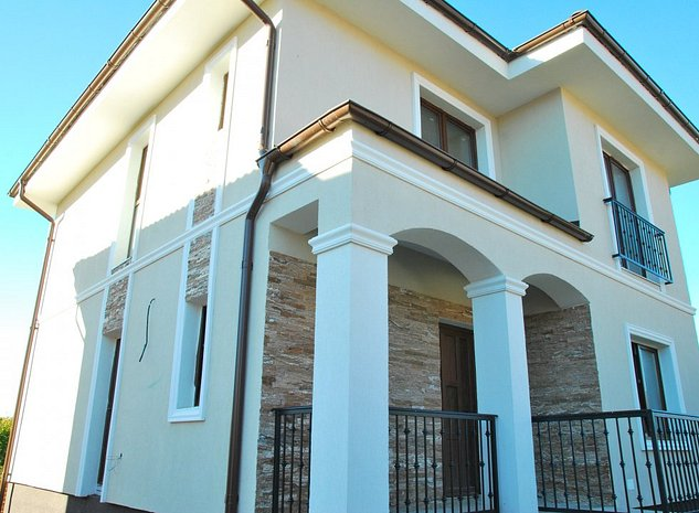 Casa individuala de vanzare in ansamblu NOU - imaginea 1