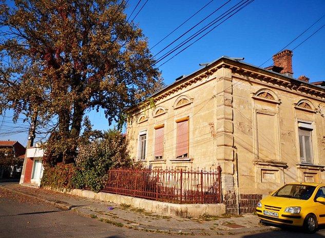 Vanzare casa cu personalitate in Giurgiu, centrul vechi. - imaginea 1