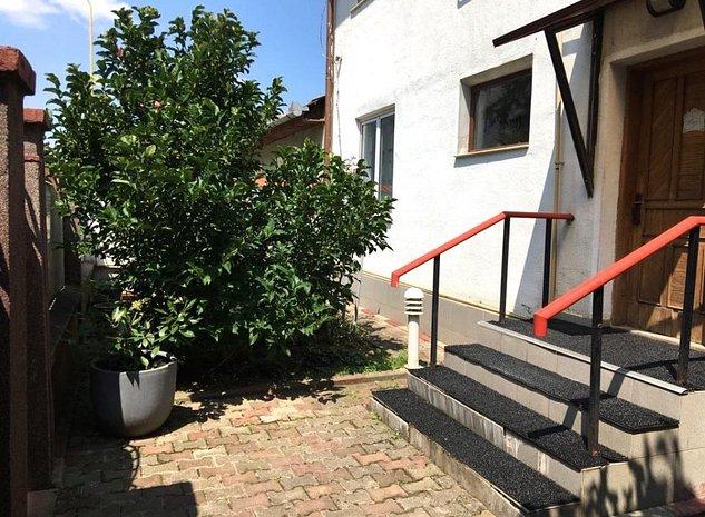 Casa in Brasov - Cartierul Florilor - imaginea 1
