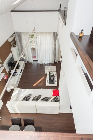 PROPRIETAR - Vila Moderna ECO/panouri solare 450 mp - 9 camere - Bragadiru - imaginea 1