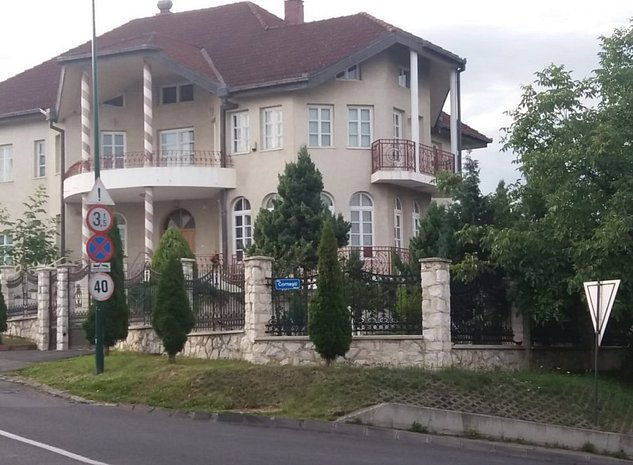 casa-de-vanzare-8-camere-targu-mures-platou