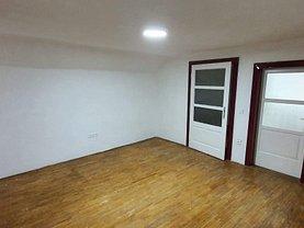 Casa de vânzare 6 camere, în Sibiu, zona Lazaret