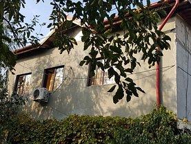 Casa de închiriat 3 camere, în Dobroeşti