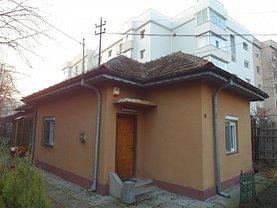 Casa de închiriat 3 camere, în Craiova, zona 1 Mai