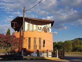 Casa de vânzare 3 camere, în Călimăneşti, zona Central