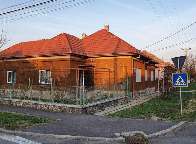 Vand casa zona campului - imaginea 1