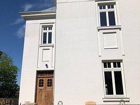 Casa de închiriat 11 camere, în Bucureşti, zona Unirii
