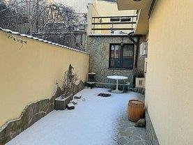 Casa de vânzare 9 camere, în Bucureşti, zona Griviţa