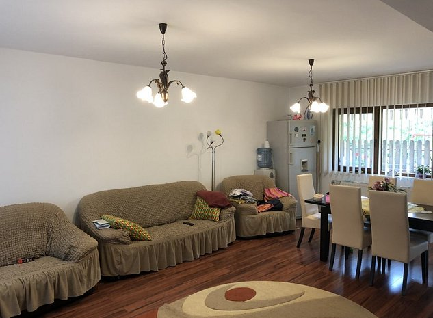 Inchiriez apartament/casa triplex zona Europa - imaginea 1